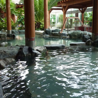Spa Resort 湯の華アイランド広場